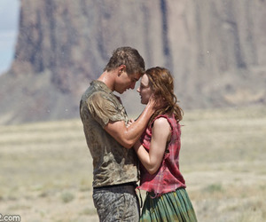 the host, Saoirse Ronan, and couple image