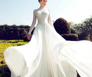 wedding dress, Y, and nurit hen image