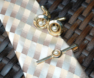 vintage cufflinks, gold circle cufflinks, and 1950s jewelry image