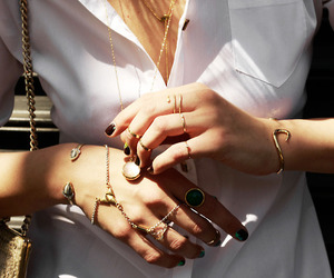 bijoux, M, and rings image