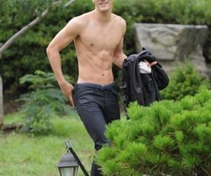 abs and siwon image