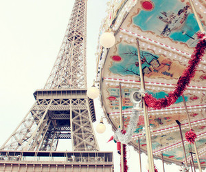 paris and eiffel tower image