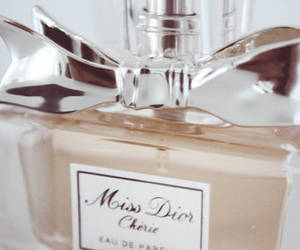 moi je joue, miss dior cherie, and parfume image