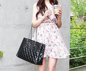 accesories, drink, and fashion girl image