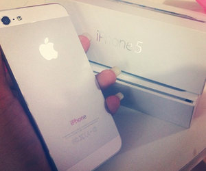 iphone and iphone5 image
