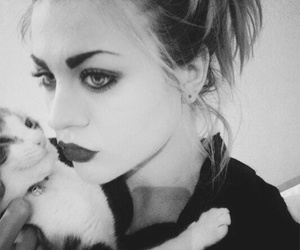 cat, frances bean cobain, and black and white image