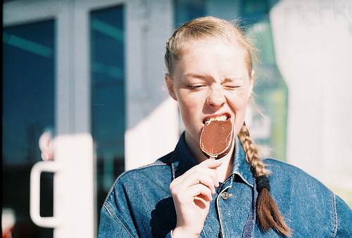 girl, vintage, and ice cream image