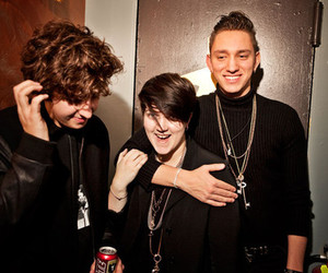 band, the xx, and oliver sim image
