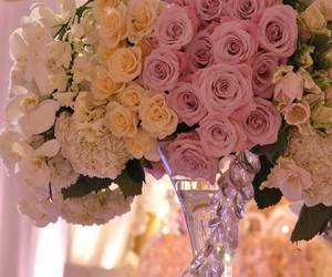 centerpiece, roses, and wedding image