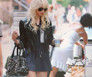 Taylor Momsen, fashion, and hair image