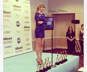 Taylor Swift, taylor, and awards image