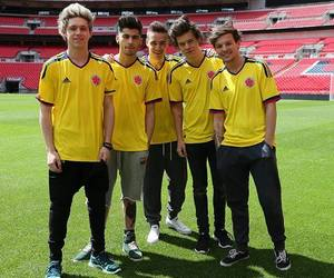 colombia, happy, and 1d image