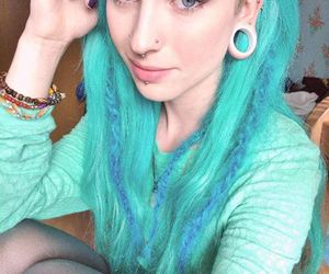 blue hair and hannah walpole image