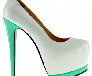 high heels and whitegreen shoes image