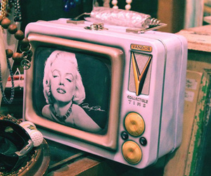 Marilyn Monroe and tv image