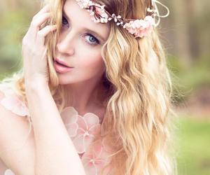 flower, bridal headpiece, and handmade image