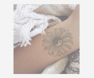 tattoo, daisy, and flowers image
