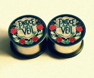 pierce the veil and Plugs image