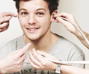 louis, one direction, and tomlinson image