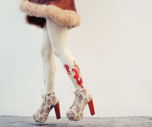 fashion, feet, and shoes image