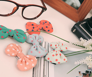 bow and glasses image
