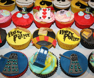 alice in wonderland, cupcake, and doctor who image