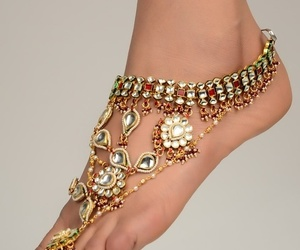 feet and jewelry image