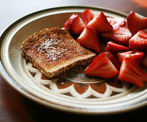 food, strawberries, and toast image