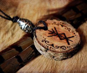 viking and runes image