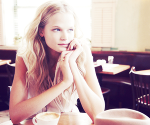 gabriella wilde and cafe image