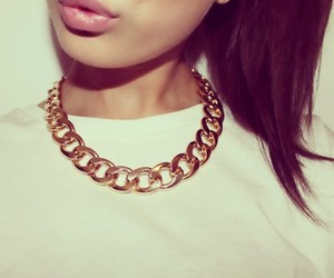 girl, lips, and gold image