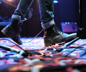 color, shoes, and the maine image