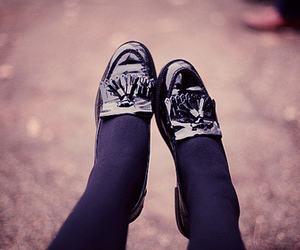 ground, hipster, and shoes image