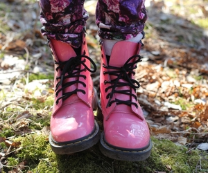 flowers, pink, and dr.martens image