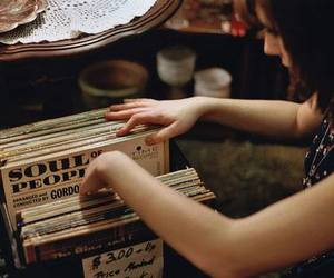 girl and vinil image