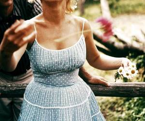 Marilyn Monroe, vintage, and flowers image