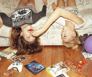 bffs, fashion, and games image