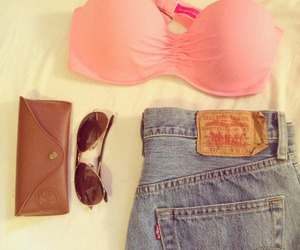 levis and pink image