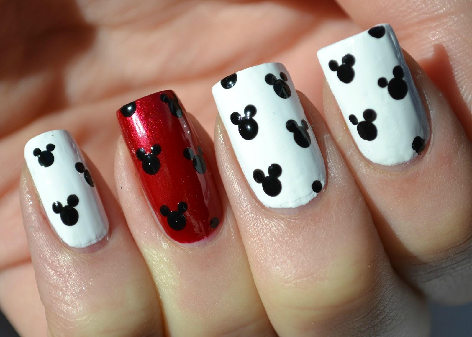 Mickey Mouse Uploaded By Mawllaya On We Heart It