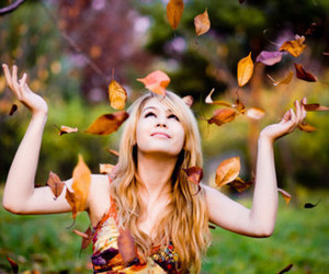 girl, autumn, and blonde image