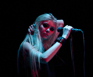 Taylor Momsen, the pretty reckless, and tay momsen image
