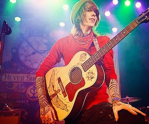 christofer drew, never shout never, and nsn image
