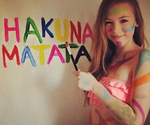 girl, hakuna matata, and paint image