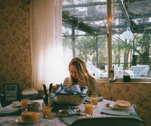 girl, breakfast, and indie image