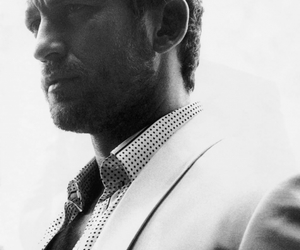 gerard butler and suit image