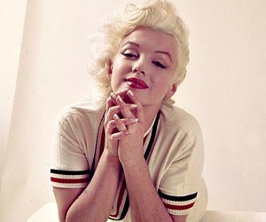 Marilyn Monroe and style image