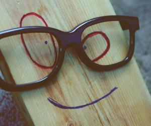 plank, glasses, and tablon image