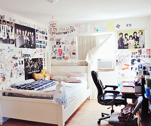 Korean Drama and k-pop room image