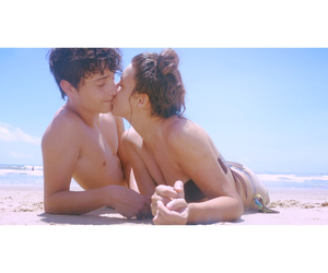 beach, hipster, and kiss image