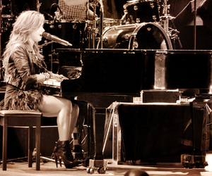 demi lovato, piano, and diva image